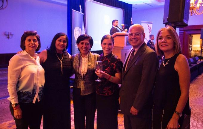 UNFPA Venezuela, ICREA y las ganadoras del concurso de cartas